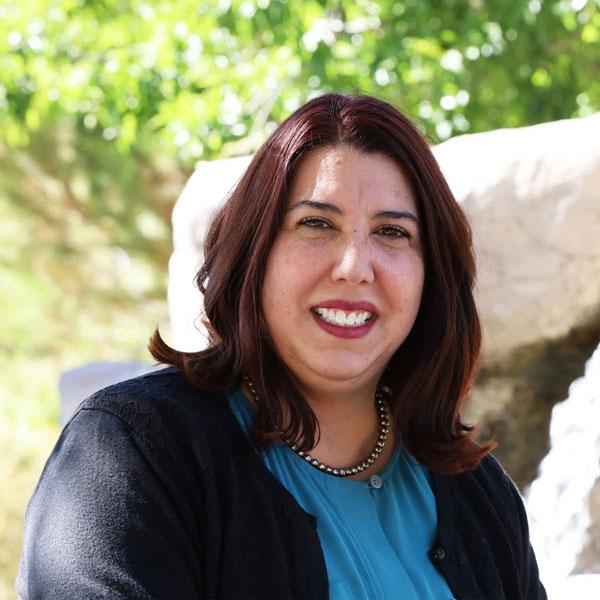 Tania Valdez Headshot
